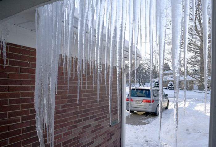 How to Permanently Get Rid of Ice Dams - Bauer Specialty